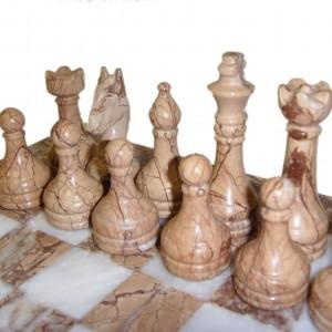 Шахматы из ценного природного камня 40 х 40 см. рисунчатая яшма - мрамор